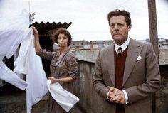 """Marcello Mastroianni e Sophia Loren in """"Una giornata particolare"""" di Ettore Scola (1977)"""