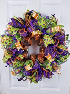 Halloween wreath Halloween wreath for front door Fall wreath Halloween Mesh Wreaths, Deco Mesh Wreaths, Holiday Wreaths, Halloween Crafts, Halloween Stuff, Halloween Costumes, Halloween Magic, Easy Halloween, Halloween Makeup