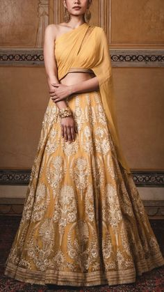 Party Wear Indian Dresses, Indian Gowns Dresses, Indian Bridal Outfits, Indian Fashion Dresses, Flapper Dresses, Wedding Dresses, Indian Fashion Designers, Indian Designer Outfits, Designer Dresses