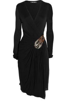 roberto CAVALLI!! Negro que estiliza y forma del vestido que se agradece!! HERMOSO!