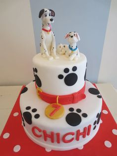 This was our second Pongo & Peggy cake. The two dogs came out much better this time.