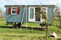 Sfeervolle woonwagen. Kijk voor meer op www.woon-schaftwagens.nl