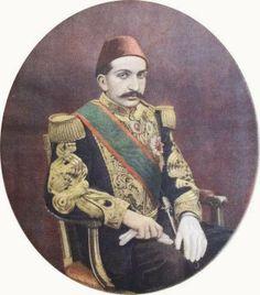 Sormuşsun bu resmin hikayesini,her şey apaçık ortada değil mi,işte asrın komutanı              Sultan II.Abdulhamid han