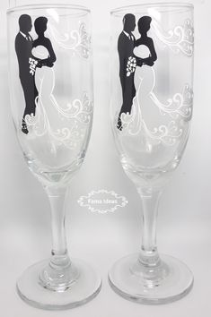 me ~ Novios caja Bride And Groom Glasses, Wedding Wine Glasses, Diy Wine Glasses, Decorated Wine Glasses, Wedding Champagne Flutes, Painted Wine Glasses, Champagne Glasses, Wedding Cups, Wedding Boxes