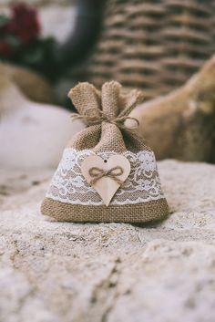 Πανεμορφες μπομπονιερες για ρομαντικο & rustic γαμο - Love4Weddings