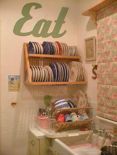 cute way to display fiestaware plates
