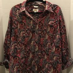 Talbots Christmas Blouse Stretch Size 2X EUC Talbots button blouse with Santa and reindeer design. Size 2X. Excellent pre owned condition from pet and smoke free home. 05% cotton and 5% lastol. Talbots Tops Button Down Shirts