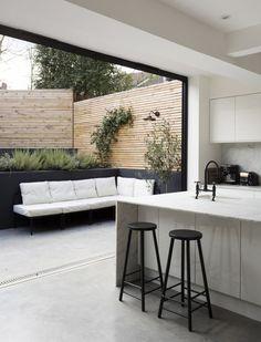 le salon de jardin fait presque partie de la cuisine plan maison deco maison