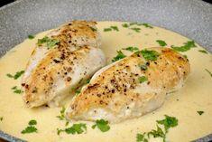Hähnchenbrust in einer Knoblauch Parmesan Sauce - Zu Faul Zum Kochen ? And my recipe today is chicken breast in a garlic parmesan sauce. Sauce Recipes, Pork Recipes, Crockpot Recipes, Cooking Recipes, Healthy Recipes, Dinner Crockpot, Garlic Recipes, Drink Recipes, Gluten Free Recipes For Dinner