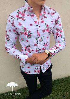 Camisa Slim Fit Blanca con Flores Rosas para Hombre | Hecho en México por Moon & Rain Pant Shirt, Shirt Dress, Mens Fashion Wear, African Wear, Types Of Collars, Men Looks, Cool Shirts, Wing Collar, Menswear