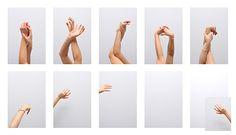COMUNICAZIONE DI UN MESSAGGIO ASSENTE CLAUDIA IACOMINO Fotografia digitale, 75x43cm, 2013 Il progetto si sofferma sulla grammatica della comunicazione.La sequenza d'immagini sviluppa una narrazione che,per definizione,presuppone una storia, un messaggio.