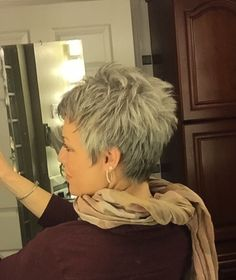 20 weeks.... It's finally long enough I was able to have it cut into a style :) #grey #silverish #naturalcolor #thankful #shortgreyhair #pixie #silverhair #naturalcolor #abbyparkermoneyhun
