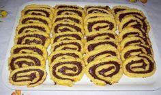 Φτιάξε μπισκότα με πτι μπερ και νουτέλα.Μια συνταγή με τρία μόνο υλικά έτοιμο σε 20΄ για το ψυγείο.    Υλικά  1 πακέτο πτι μπερ  225 γρ. γλυκόζη  225 γρ. νουτέλα ή μερέντα    Εκτέλεση  Χτυπάμε τα μπισκότα στο multi μέχρι να γίνουν σκόνη.  Λιώνουμε Nutella Recipes, Sweets Recipes, Candy Recipes, Cooking Recipes, Greek Desserts, Easy Desserts, Cupcake Cookies, Cupcakes, Hot Dog Buns