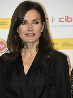 Queen Letizia wore a pointed check wool skirt by Massimo Dutti. On the International Safe Internet Day. Princess Stephanie, Princess Estelle, Princess Charlene, Princess Madeleine, Crown Princess Victoria, Crown Princess Mary, Civil Ceremony, Opening Ceremony, Princess Of Spain