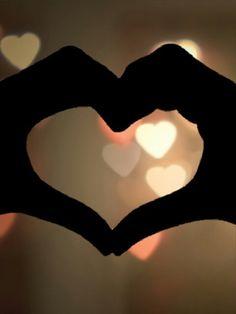Een super mooie achtergrond voor bv je telefoon!! Cute Backgrounds, Phone Backgrounds, Love Amor, Gustav Klimt, Felt Hearts, Background S, Beautiful Pictures, Kawaii, Printables