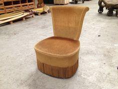http://www.landzichthoutsberg.nl/product/retro-fauteuil-vintage-stoel/