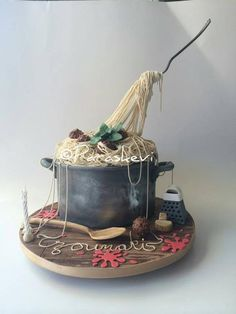 Can't Believe It's Cake -- Spaghetti and Meatball cake design!