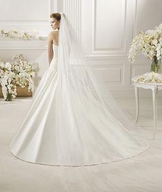 Pronovias te presenta su velo V-2724 para novias. | Liso