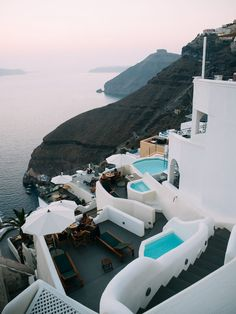 Travel Diary: Summer in Santorini travel destinations 2019 TRAVEL DIARIES: Oia, Santorini It's no secret Santorini has been one of my favourite places to visit and photograph over… Santorini Travel, Santorini Greece, Greece Travel, Santorini Island, Santorini Honeymoon, Santorini Sunset, Greece Honeymoon, Greece Vacation, Places To Travel