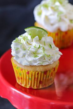 Light and airyEggless Key Lime Cupcakesare a perfecttreat for summer parties. A super refreshing cupcake infused with fresh citrusflavor offers an explosion of flavor in every bite! #cucpakes #keylime #eggfree #egglessbaking #eggless #egglesscupcakes #limecupcakes #citruscupcakes