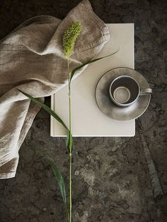 Get the latest kitchen inspiration and create the kitchen of your dreams with us. We create modern kitchens in nordic design. Nordic Kitchen, Scandinavian Kitchen, Scandinavian Design, Beautiful Kitchens, Cool Kitchens, Diy Projects For Beginners, Countertop Materials, Bespoke Kitchens, Minimalist Kitchen