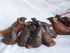 Clay Birds, Ceramic Birds, Ceramic Clay, Paper Mache Crafts, Raku Pottery, Pottery Techniques, Clay Design, Arte Popular, Clay Animals