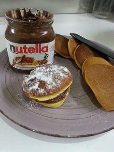 Dorayaki Bimby, ecco come preparare i mitici dolcetti di Doraemon, simili ai pancake, da farcire con marmellata o Nutella. Ci servono 200 gr di farina, ...