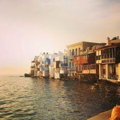 Sunset in Mykono's little Venice  #greeksunset#greeksummer#summeringreece#visitgreece#mykonos#greekislands#lifeingreece#greekadventure#thegreeceguide#greeceinstagram#aegeansea#growinupgreek#greece#μυκονος#Ελλάδα #summertime
