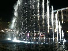 Dancing Water Fountain - Americana Glendale, CA