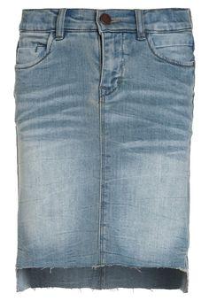 b1ea8c25c ¡Consigue este tipo de falda vaquera de Limited By Name It ahora! Haz clic