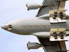 Boeing Globemaster III while flying on maneuver. Photo credit goes to Joey Collurra. Underneath of the is clearly seen on the picture Cargo Aircraft, Navy Aircraft, Military Aircraft, C 17 Globemaster Iii, Cargo Transport, Aviation Technology, Landing Gear, Aircraft Pictures, Air Show