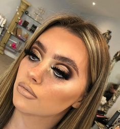 Gorgeous Makeup: Tips and Tricks With Eye Makeup and Eyeshadow – Makeup Design Ideas Glam Makeup Look, Makeup Eye Looks, Eye Makeup Tips, Cute Makeup, Gorgeous Makeup, Pretty Makeup, Makeup Trends, Skin Makeup, Eyeshadow Makeup