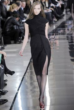 Valentino Fall 2009 Ready-to-Wear - Collection - Gallery - Style.com