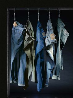 Blick auf Blau: PAUL SMITH, ARMANI JEANS, SEVEN FOR ALL MANKIND, TRUE RELIGION, ROBERT GRAHAM - Entdecken Sie die neuen Jeans-Labels bei HIRMER in der 1.Etage