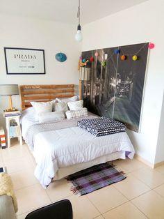 Decoración de departamentos pequeños de 1 ambiente 5 Apartment Bedroom Decor, Small Apartment Decorating, Living Room Decor, Airbnb Design, One Bedroom, Small Apartments, Modern Interior Design, Decoration, Home Furniture