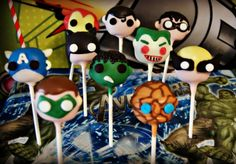 Superhero cakepops by Evie and Mallow Green lantern cake pop Captain America cake pop Batman cake pop Ironman cake pop Superman cake pop Robin cake pop Joker cake pop Hulk cake pop Wolverine cake pop The thing cake pop A must have for any superhero party! Batman Cake Pops, Superhero Cake Pops, Superhero Theme Party, Pop Batman, Green Lantern Cake, Ironman Cake, Captain America Cake, Superman Cakes, Superhero Baby Shower