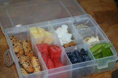 Kids snack box idea, clever snack storage idea | vegetarian diet, vegetarian food for kids, vegetarian family, vegetarian teens, vegetarian recipe ideas, vegetarian nutrition | Veggie kids