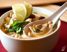 It's a delicious Thai Soup Thai Recipes, Soup Recipes, Thai Soup, Joy Of Cooking, Slow Cooker Recipes, Crockpot, Food To Make, Lunch, Desserts