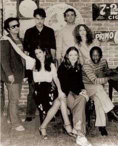 SNL will always have some creme of the crop, but will probably never have this kind of dynamic and talent in one group again. Pinner Said: the best cast SNL ever had or will know - Saturday Night Live, Old Tv Shows, Movies And Tv Shows, Photo Vintage, Vintage Tv, Originals Cast, Thats The Way, Classic Tv, Megadeth