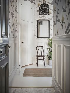 Scandinavian Loft, Scandi Home, Scandinavian Apartment, Vintage Apartment, One Bedroom Apartment, Dream Apartment, European Apartment, Hallway Inspiration, Small Hallways