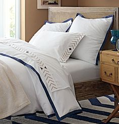 classic #white and navy bedding http://rstyle.me/n/ktvndr9te