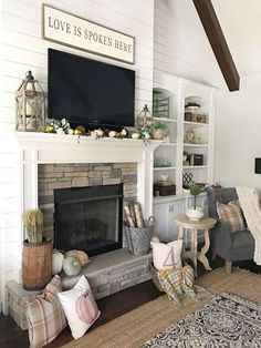 Minimalist Living Room Ideas - Find your preferred Minimalist living-room images below. Browse through photos of inspiring Minimal living-room layout suggestions to develop your ideal home. Tv Over Fireplace, Fireplace Mantle, Living Room With Fireplace, Fireplace Design, Living Room Decor, Fireplace Ideas, Cottage Fireplace, Simple Fireplace, Fireplace Cover