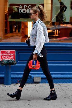 Myqueengigi july 19 gigi hadid out in nyc roger taylor and freddie mercury rare and beautiful celebrity photos Style Gigi Hadid, Gigi Hadid Outfits, Gigi Hadid Shoes, Fashion Mode, Look Fashion, Urban Fashion, Street Fashion, Nyc Fashion, Mode Outfits