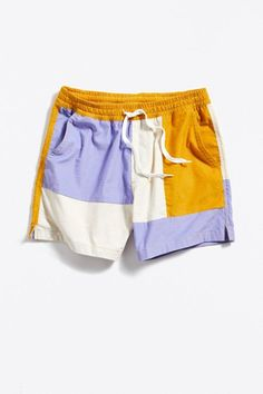 Shop Urban Outfitters' collection of mens shorts and swim trunks from top brands like Patagonia, Nike, and Polo Ralph Lauren. Shorts Nike, Denim Shorts Outfit, Gym Shorts Womens, Short Outfits, Summer Outfits, Short Denim, Outfits Hombre, Corduroy Shorts, Swimwear Fashion