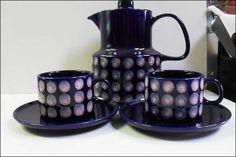 MELITTA Kaffeekanne und 2 Tassen mit Untertassen (für Bastler oder Keramiker), günstig kaufen und gratis inserieren auf willhaben.at!