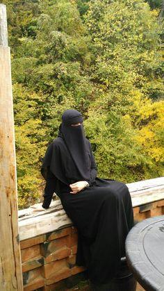 A Graceful and Beautiful Munaqqabah