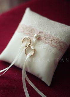 info wedding pillowsring - Wedding Ring Pillow