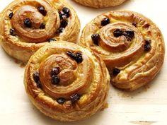 La recette des meilleurs petits pains aux raisins au Thermomix. Une recette facile pour le résultat digne de celui d'un vrai boulanger !