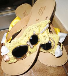 handmade decorated sandals with yellow lace,mirror cats ,white bows and pearls Summer Sandals, Palm Beach Sandals, White Bows, Yellow Lace, Jack Rogers, Pearls, Mirror, Cats, Handmade