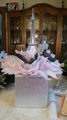 Eiffel tower centerpieces. Parisian Sweet 16 Invitation Ideas. Parisian Wedding, Parisian Quinceanera